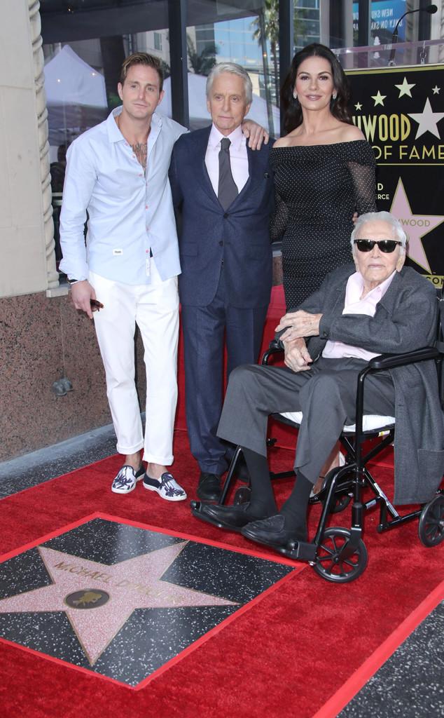 Cameron Douglas, Michael Douglas, Catherine Zeta-Jones, Kirk Douglas