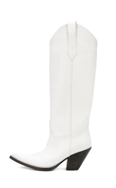 Hailey Baldwin Wears This Season S 1 Boot Trend Plus