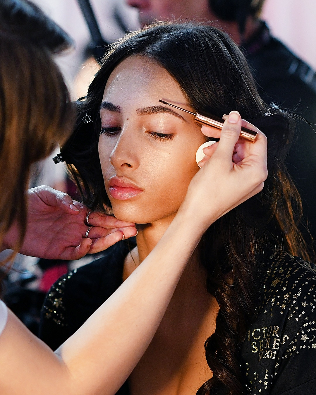 Beauty Secrets: MAKEUP TIP: How To Create Full, Natural Brows From 12 Must