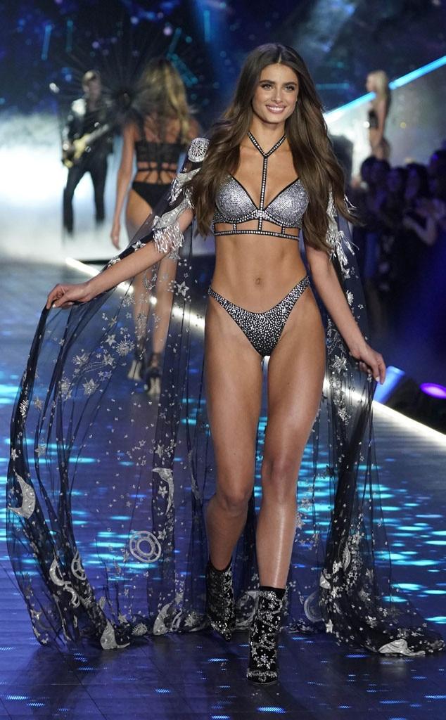Watch Victoria Secret Fashion Show  Canada