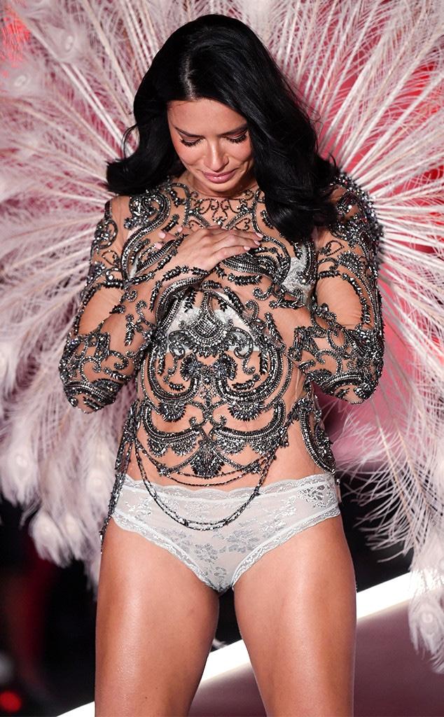 Adriana Lima Crying, 2018 Victoria's Secret Fashion Show, Runway