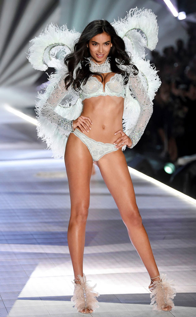 Kelly Gale, 2018 Victoria's Secret Fashion Show, Runway