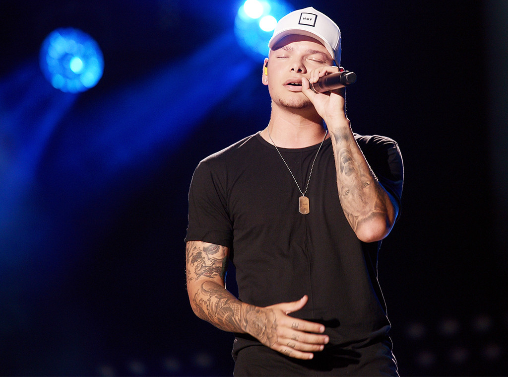 Kane Brown, Performing