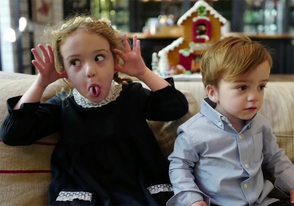 LOL! Jimmy Kimmel\'s Kids Won\'t Sit Still for Christmas Photos | E! News