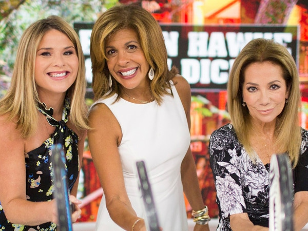 11 Co-Hosts Perfect for Hoda Kotb After Kathie Lee Gifford's <i>Today</i> Exit