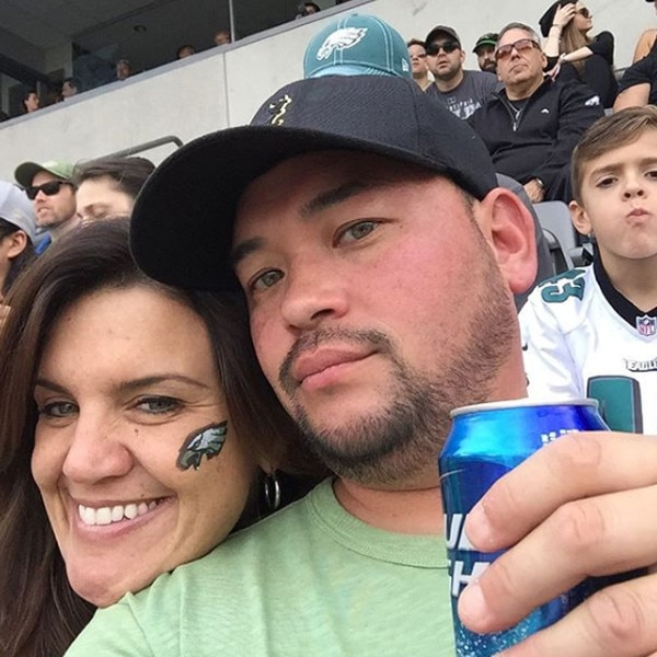 """Jon's Favorite Things -  """"3 of the best things ever!!! GF, Eagles & Budlight,"""" the former TLC reality star shared with his followers."""