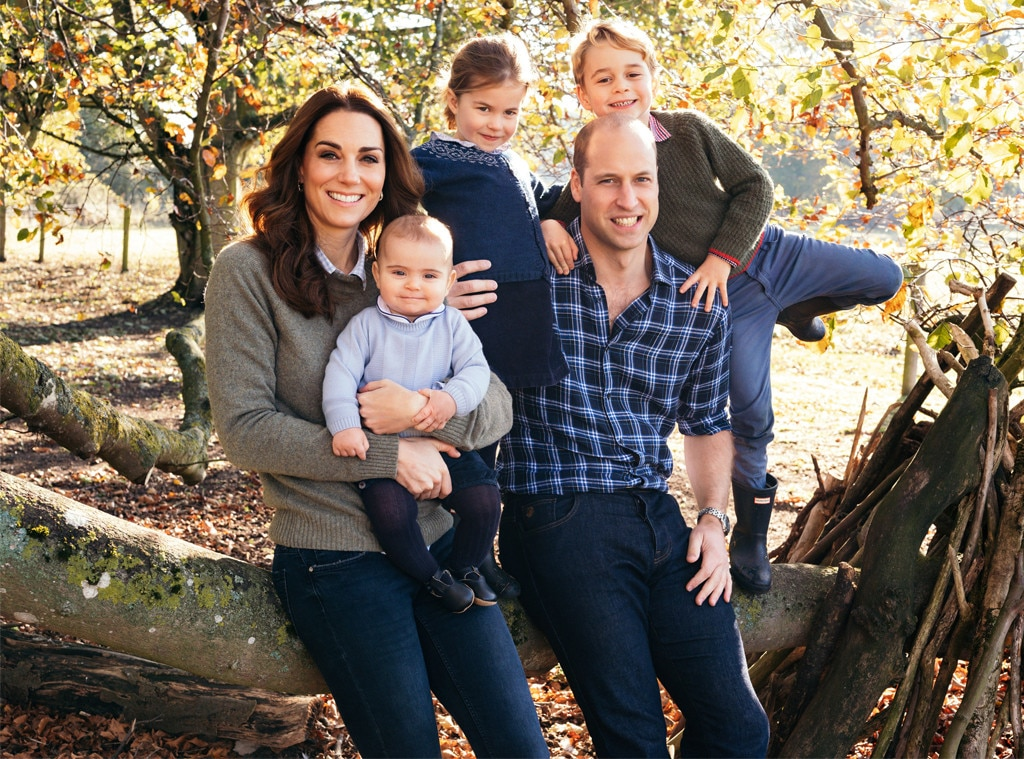 Prince William, Kate Middleton, Princess Charlotte, Prince George, Prince Louis, Family Portrait