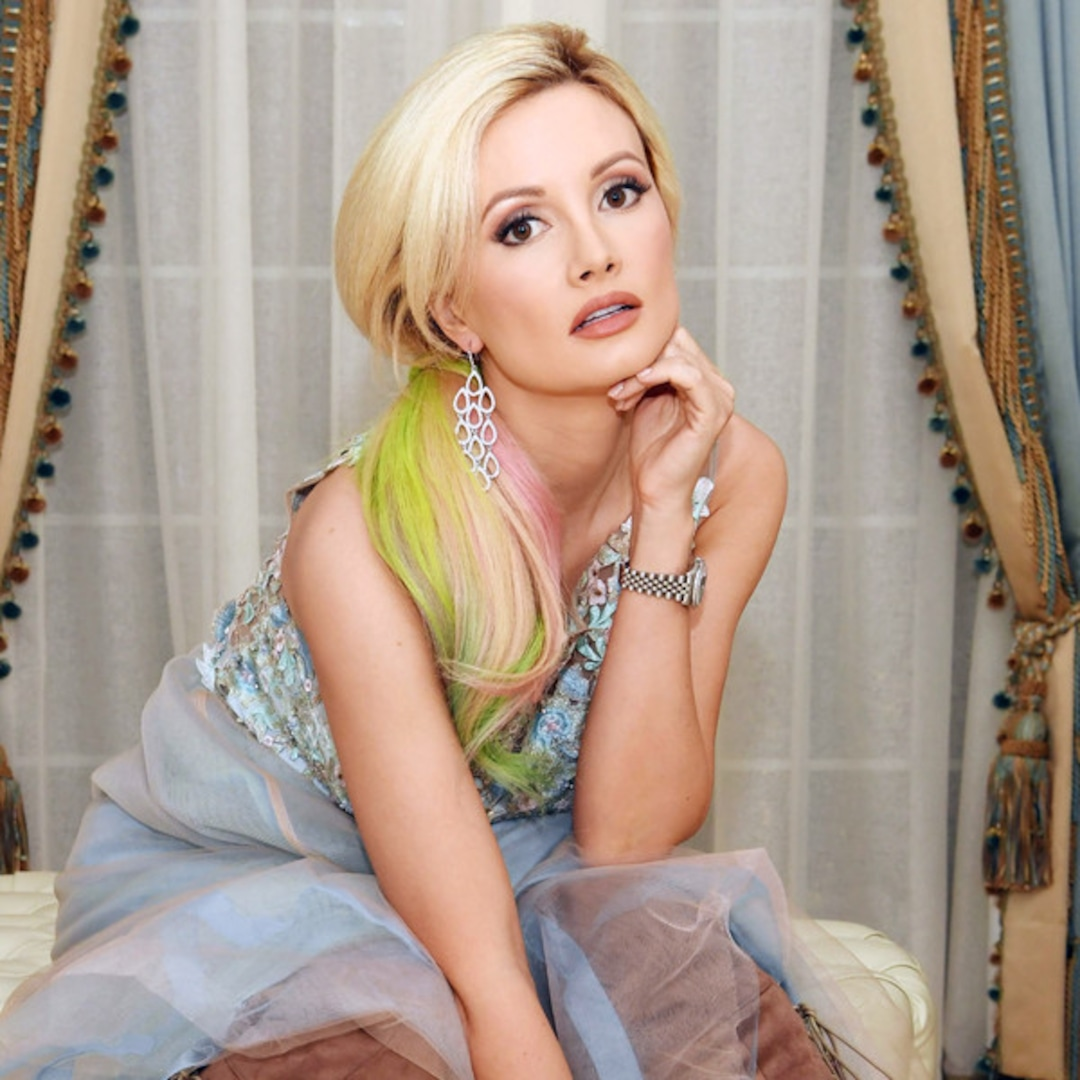 How Holly Madison Has Rebuilt Her Life Again And Again E Online