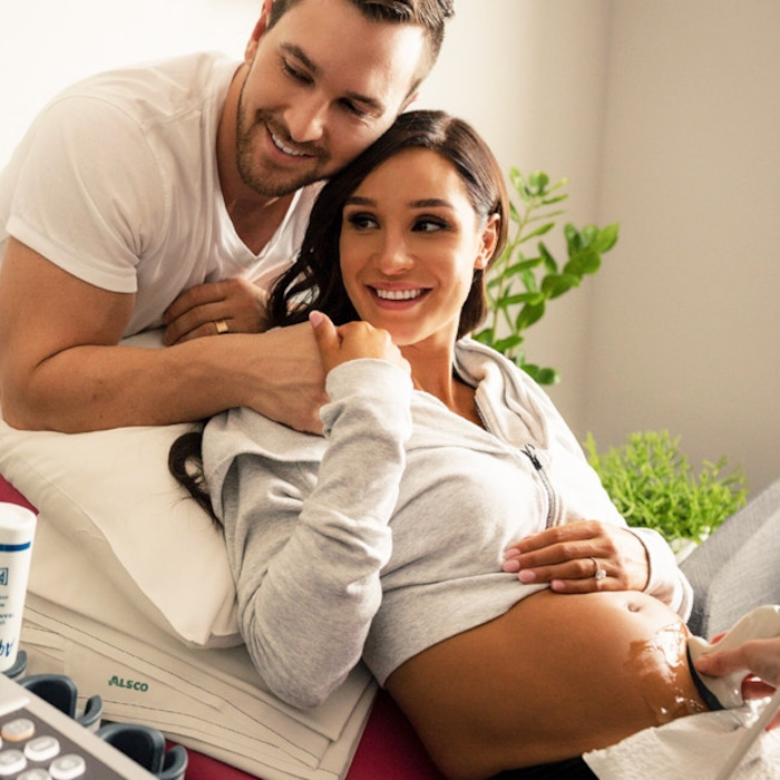 eb1d5cd3fdcd9 Kayla Itsines Opens Up About Pregnancy, Workout Changes and How She Kept  Her Baby Bump a Secret   E! News Australia