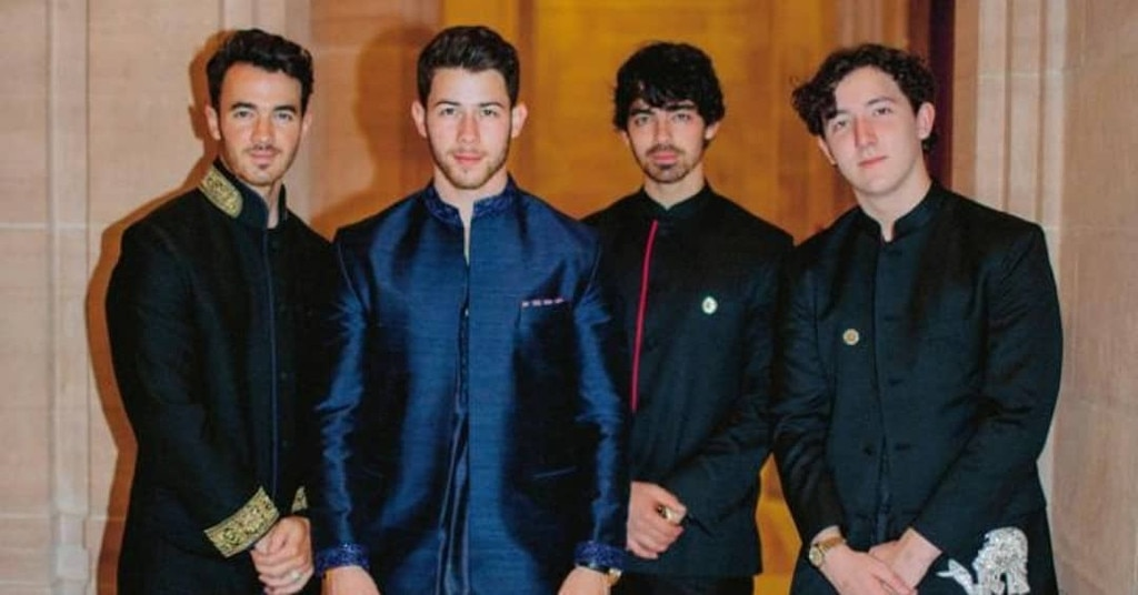Fab Four - Kevin Jonas ,  Joe Jonas  and  Frankie Jonas  join their brother.