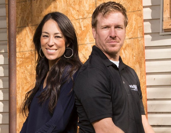chip and joanna gaines welcome baby no 5 e news canada. Black Bedroom Furniture Sets. Home Design Ideas