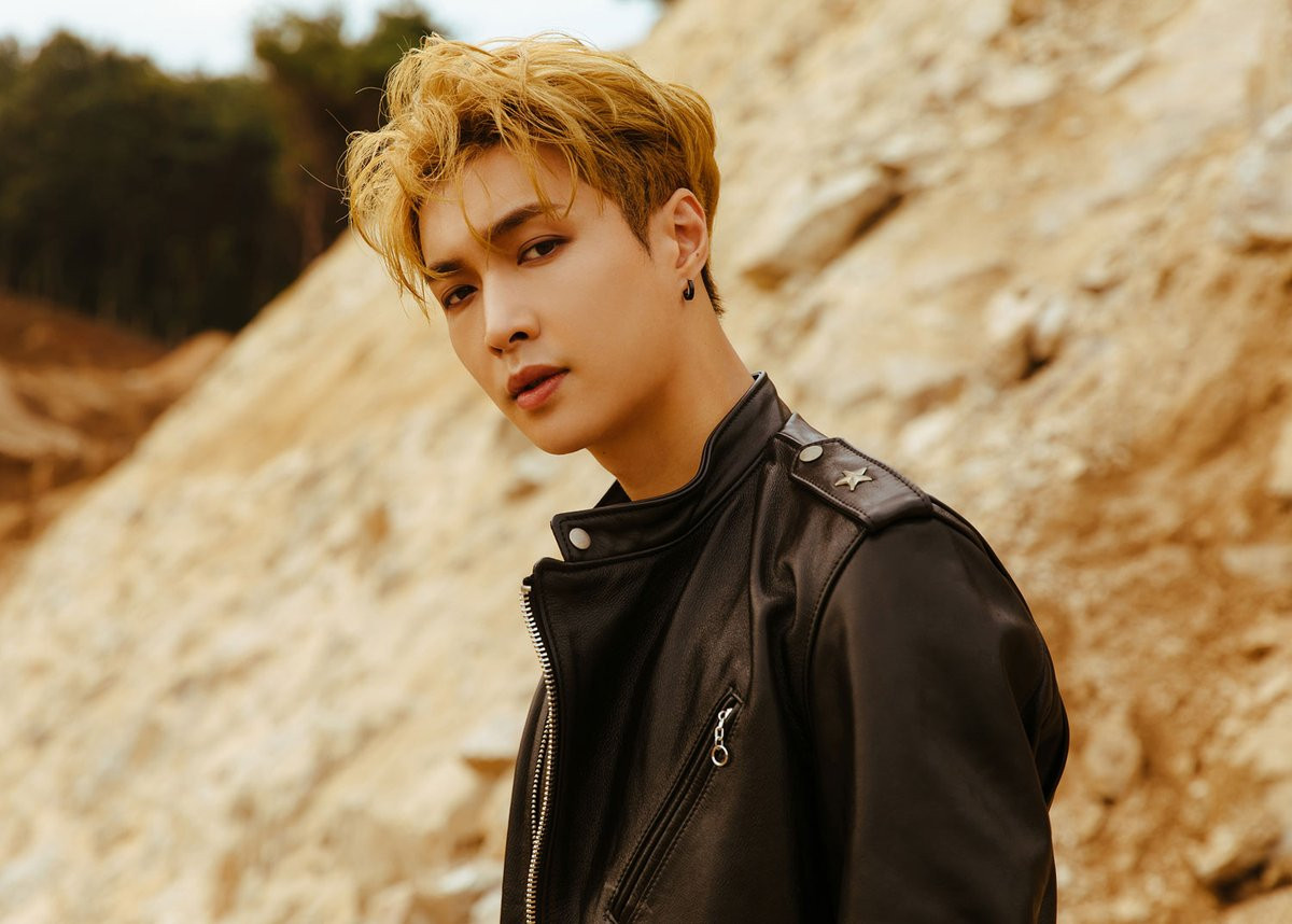 The Wait Is Over Exo S Lay Will Drop A Christmas Single This Year