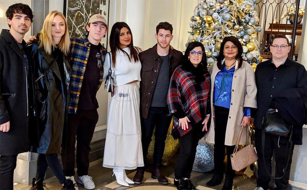 Joe Jonas, Sophie Turner, Frankie Jonas, Priyanka Chopra, Nick Jonas, Denise Jonas, Madhu Chopra, Kevin Jonas Sr., Christmas 2018