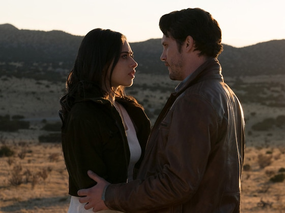 The Most Soon-to-Be Iconic Moments From the <i>Roswell, New Mexico</i> Premiere