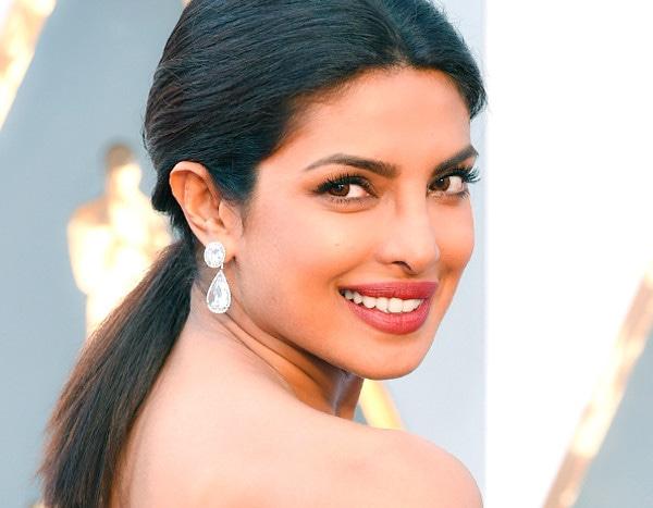 Heres The Exact Red Lipstick Priyanka Chopra Used For Her Wedding To Nick Jonas  E News-1070