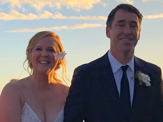 Amy Schumer Is Pregnant, Expecting First Child With Husband Chris Fischer
