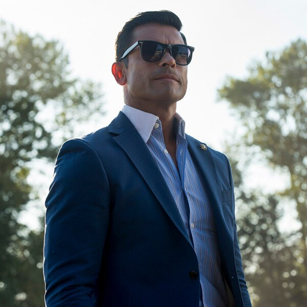What To Do About Riverdale S Hiram Lodge E News Canada