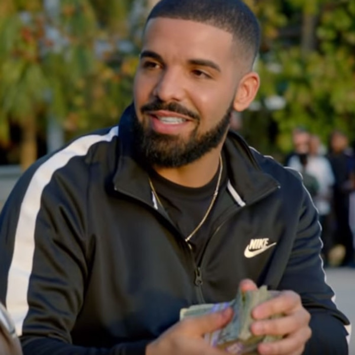 Drake Gives Away 1 Million In Gods Plan Videoand Starts An