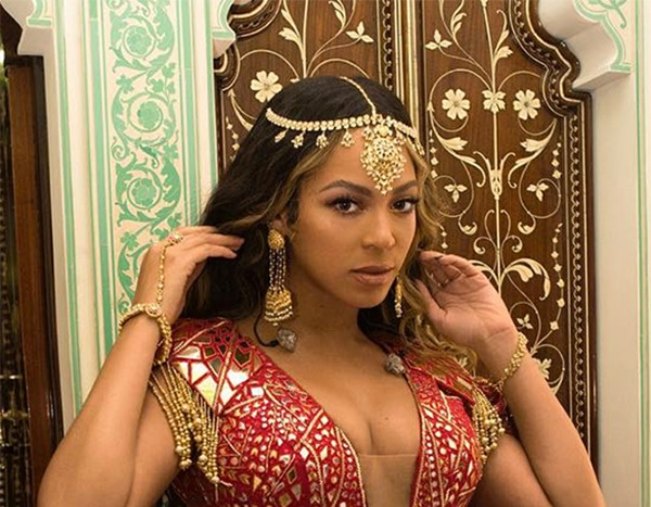 Beyonc 233 Dazzles In Red And Gold At Indian Wedding Event