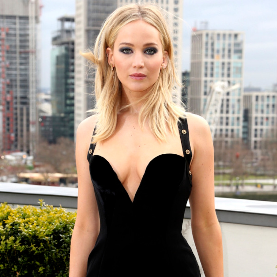 JLaw Talks Dress Criticism and Dishes on Amy Schumer's Wedding - E! Online
