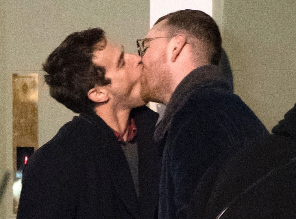 Sam Smith, Brandon Flynn, Kissing