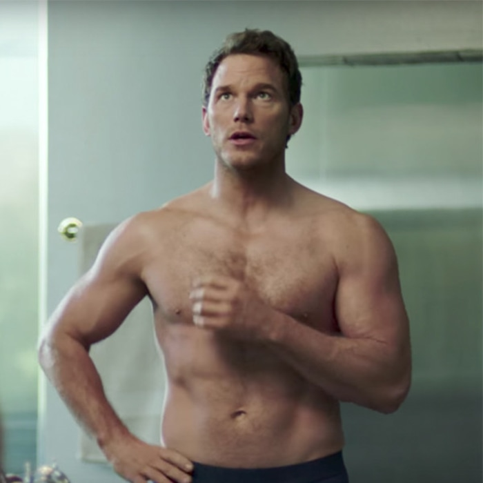 chris pratt bares his abs in 2018 michelob ultra super bowl
