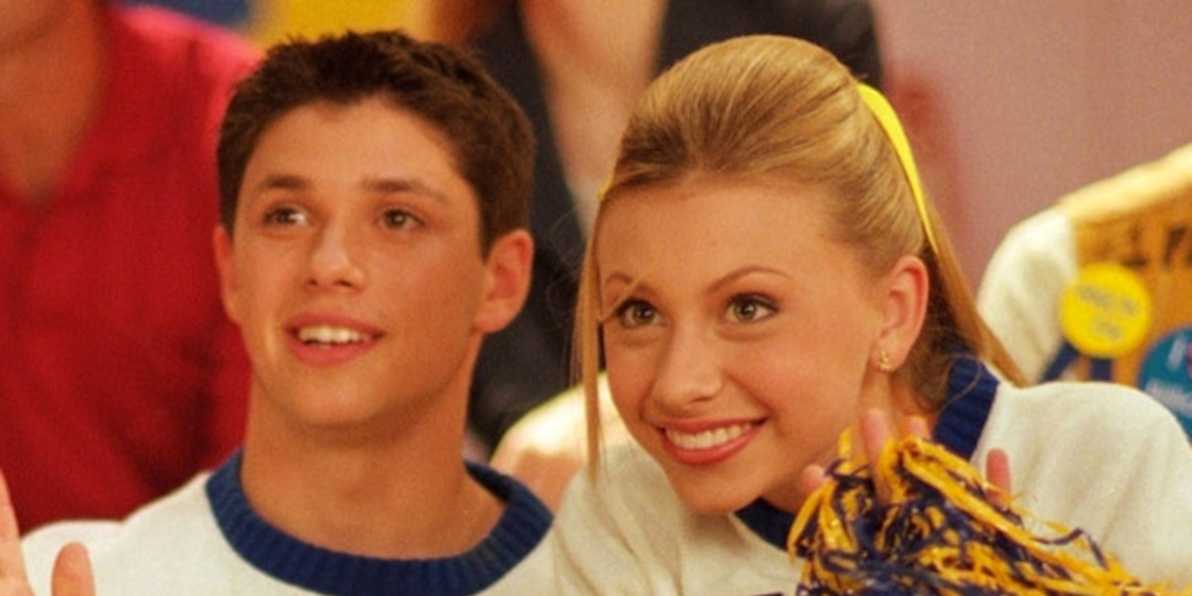 Aly Michalka Has The Most Relatable Reaction to Phil of the Future's 17-Year Anniversary - E! Online.jpg