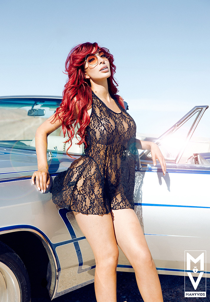 Farrah Abraham, ManyVids Magazine, March 2018