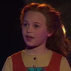 Alicia Vikander, Småstjärnorna