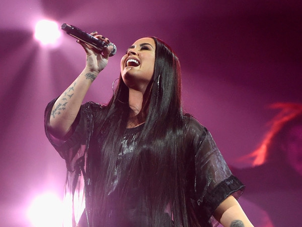 Demi Lovato Lets the Tears Flow During Powerful 2020 Grammys Performance