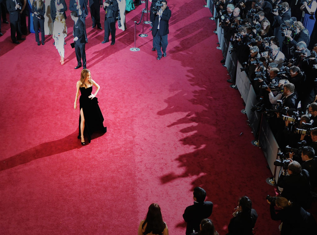 The most timeless oscars red carpet moments ever according to the hosts of e live 360 e - Oscars red carpet online ...
