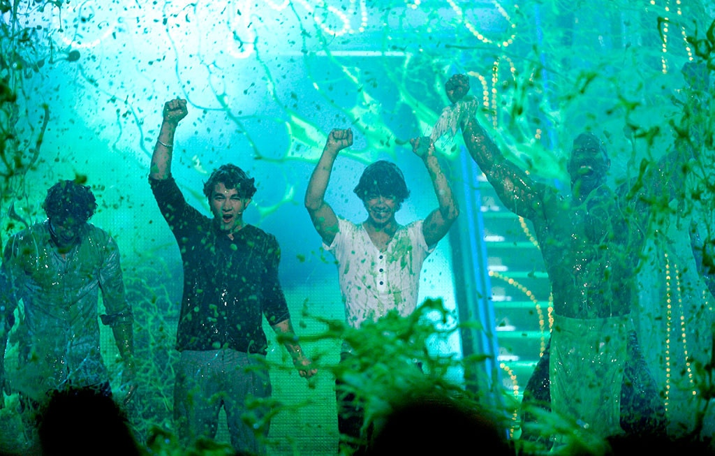 "The Jonas Brothers -  It was a sea of slime for the Jonas Brothers and  Dwayne ""The Rock"" Johnson  at the 2009 show."