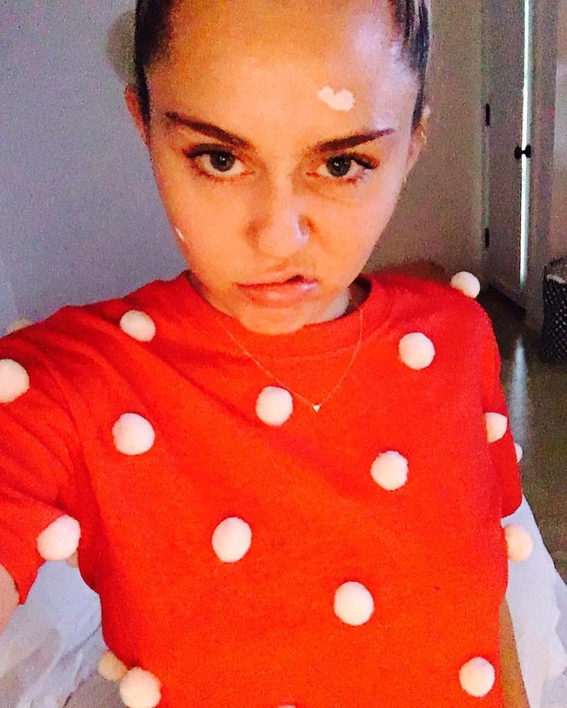 Miley Cyrus, Acne