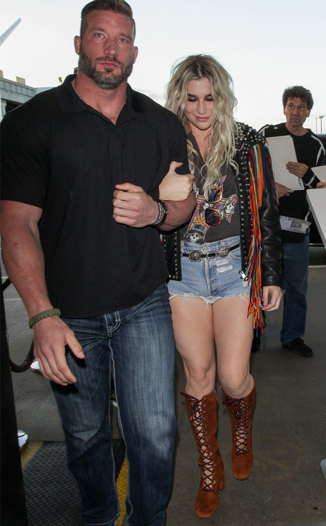 Photos from Stars' Hot Bodyguards - E! Online