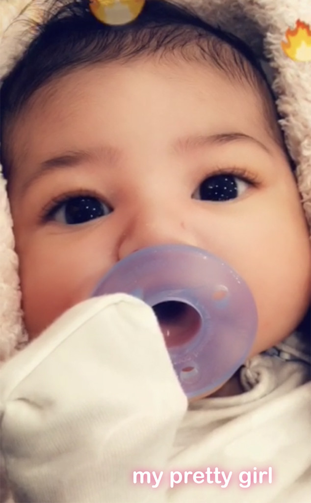kylie jenner shares first photo of baby stormi s face e