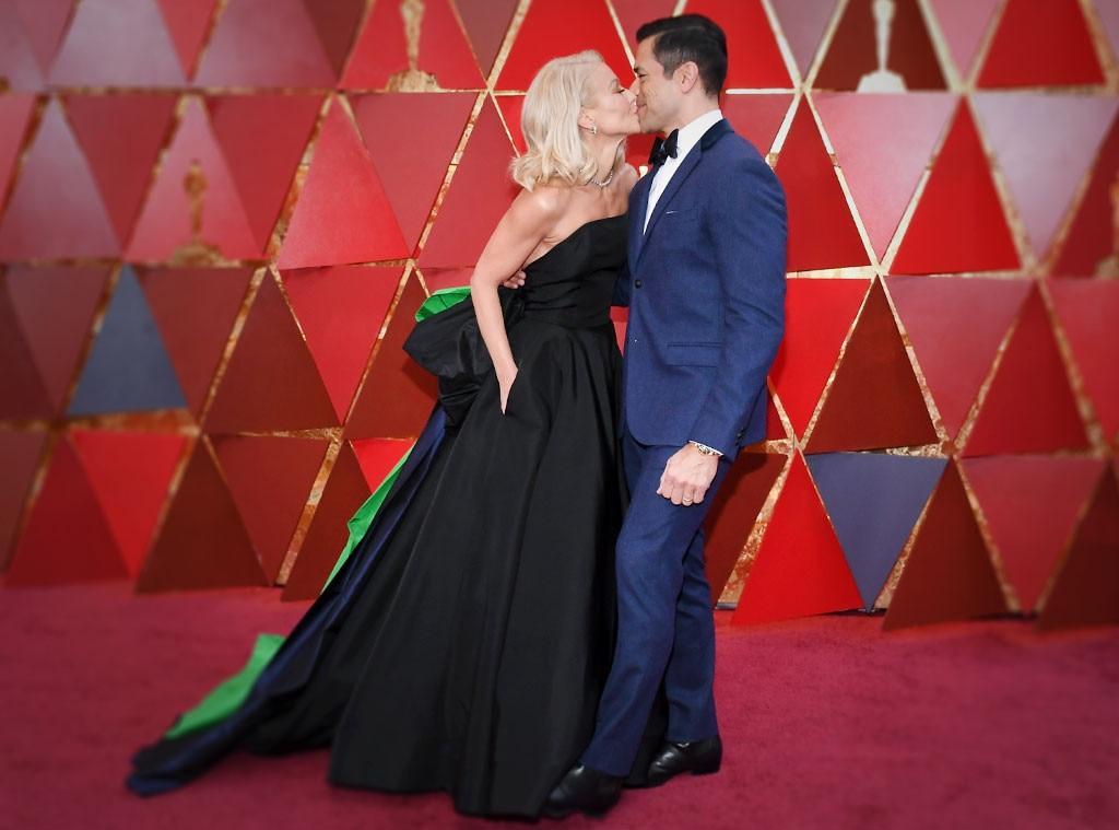 Glambot: Kelly Ripa and Mark Consuelos, Oscars 2018