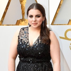 Beanie Feldstein, 2018 Oscars, Red Carpet Fashions