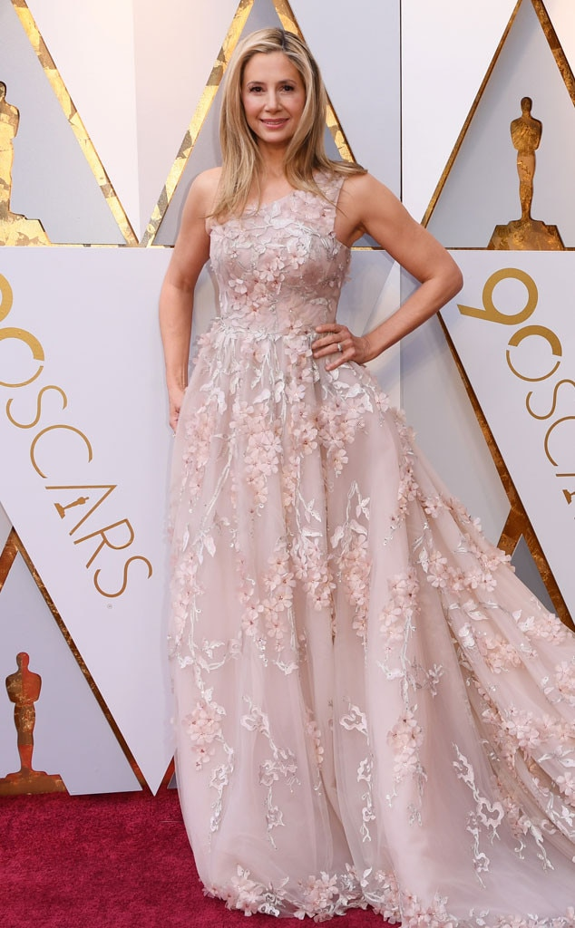 Mira Sorvino, 2018 Oscars, Red Carpet Fashions