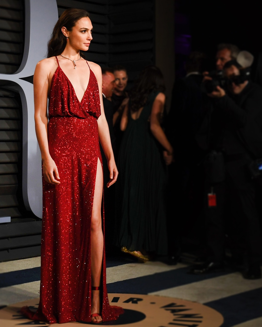 Black Dress For Teenager In Oscar Fashion Review