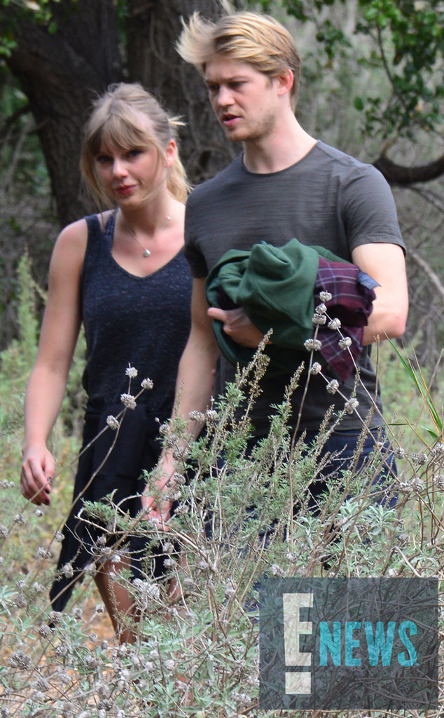 Taylor Swift Holds Joe Alwyn Close During Rare Outing in Malibu | E