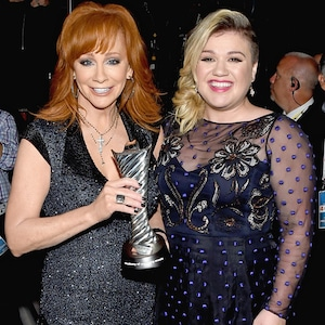 Reba McEntire, Kelly Clarkson, 2015 Academy Of Country Music Awards