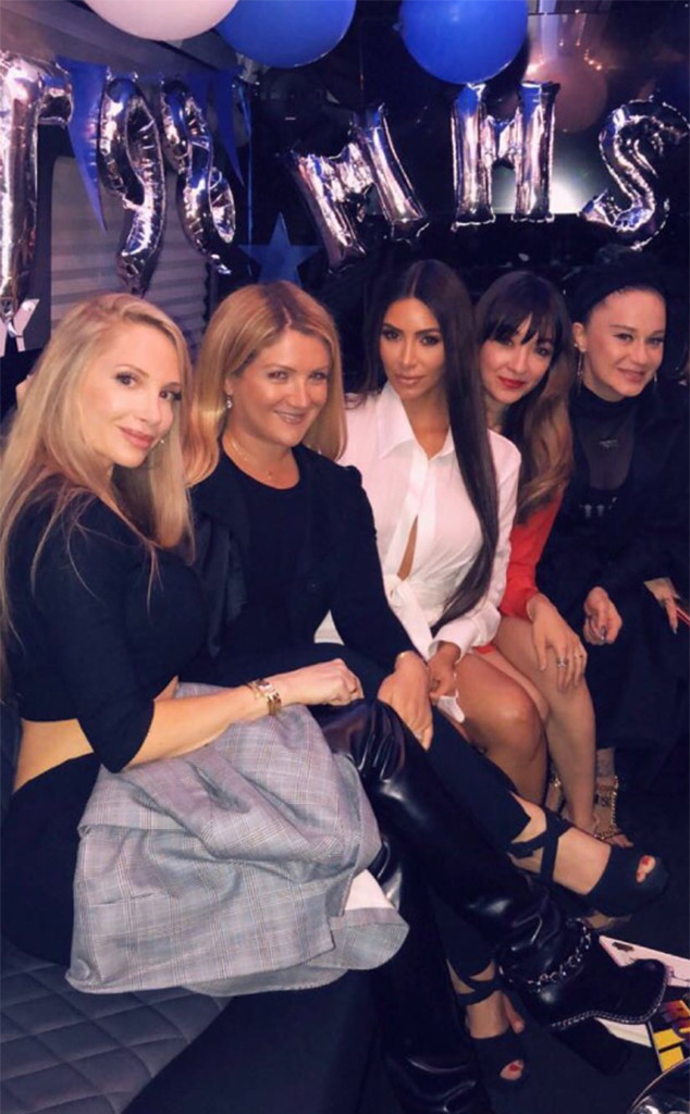 Kim Kardashian Attends Her 20-Year High School Reunion | E! News