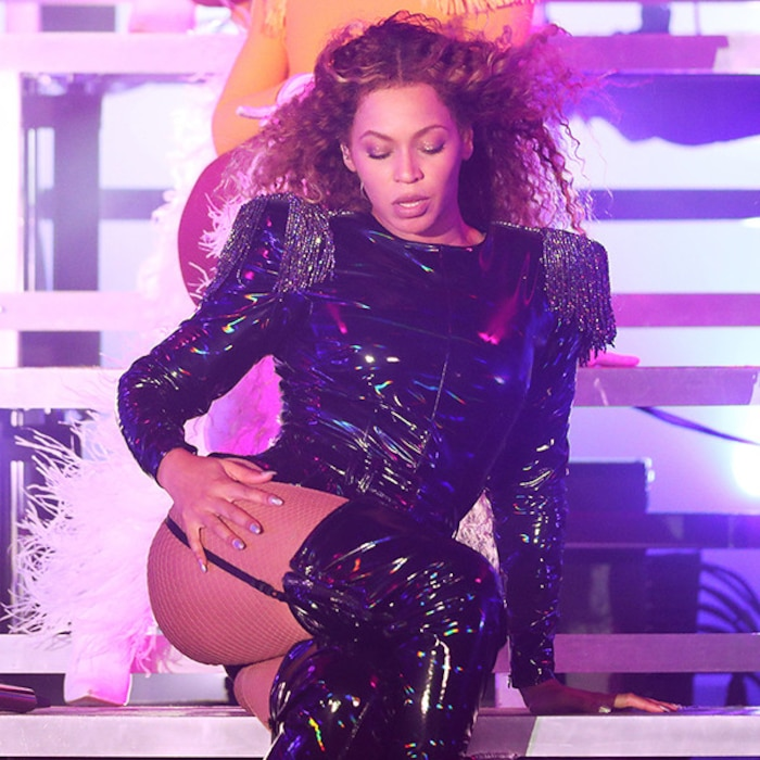 Beyonce Showcases Sexy Outfits At Coachella All About Her Styles