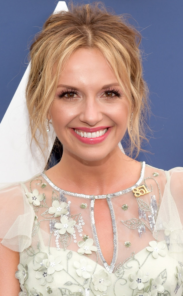 Carly Pearce, Vegas Strong pin, Academy of Country Music Awards 2018