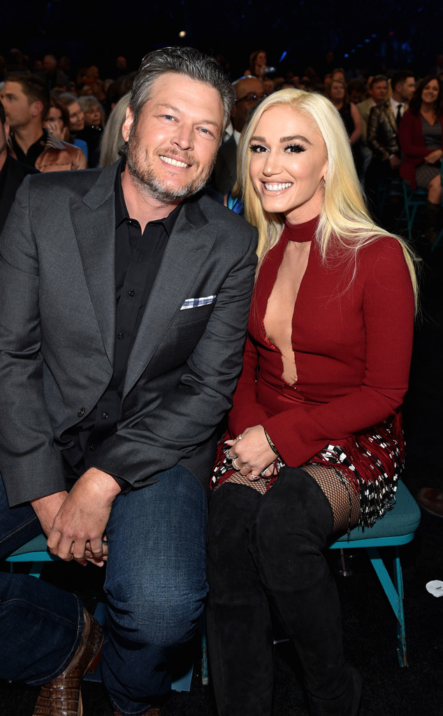 gwen stefani is blake shelton 39 s biggest fan at the 2018