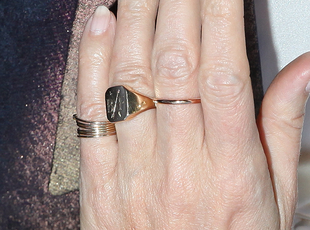 Gwyneth Paltrow, Initials Ring