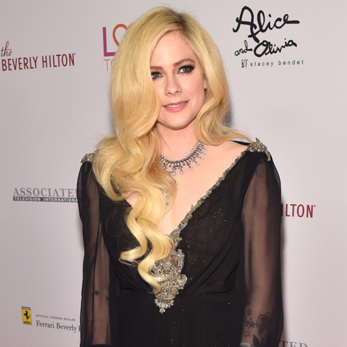 Avril Lavigne Talks New Album Walks First Red Carpet In 2