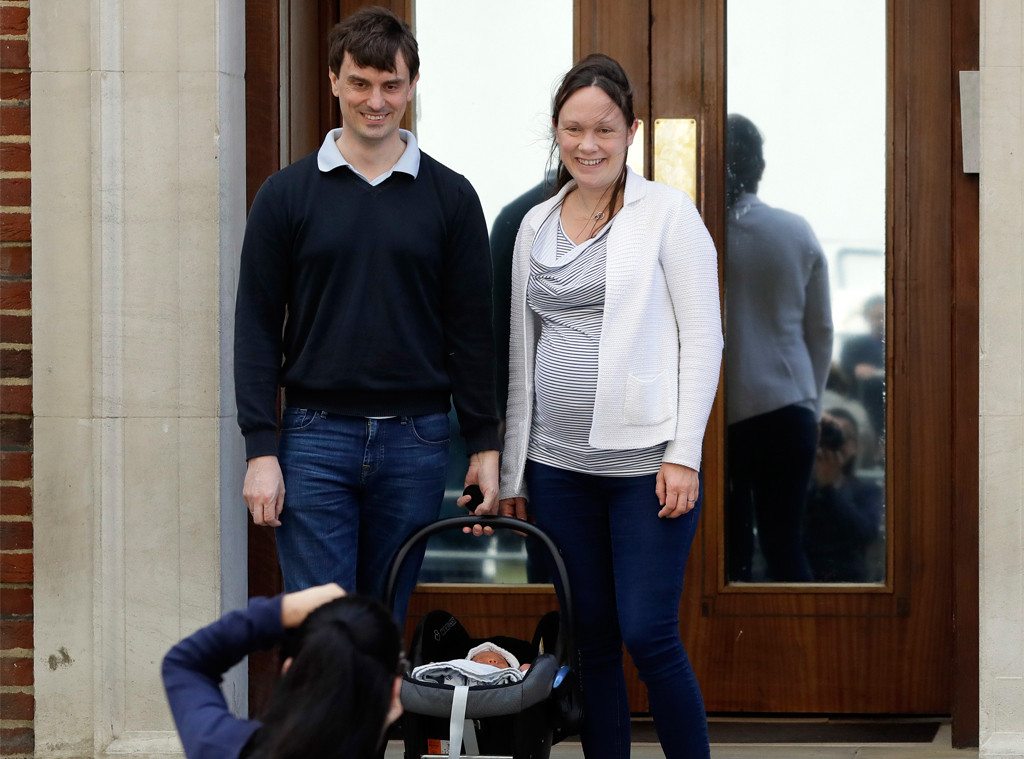 Family Pose, Lindo Wing, Royal Baby, Non-Royals