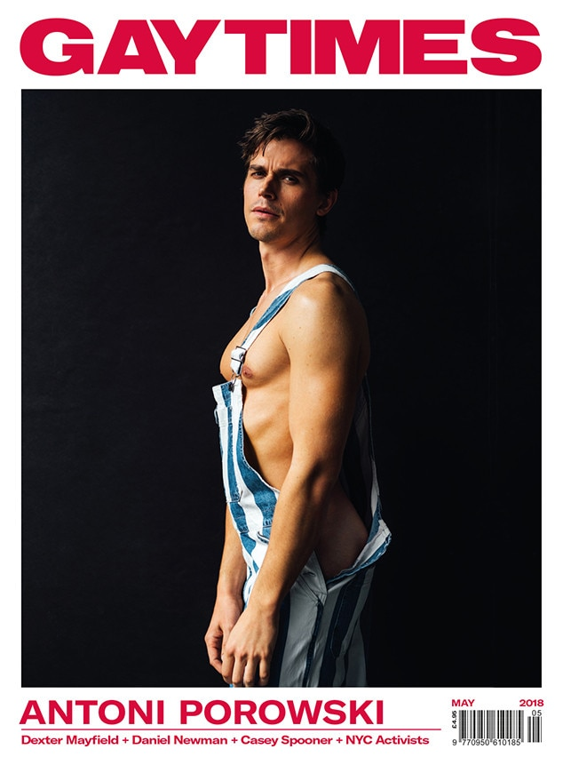 Pose hot muscle gay
