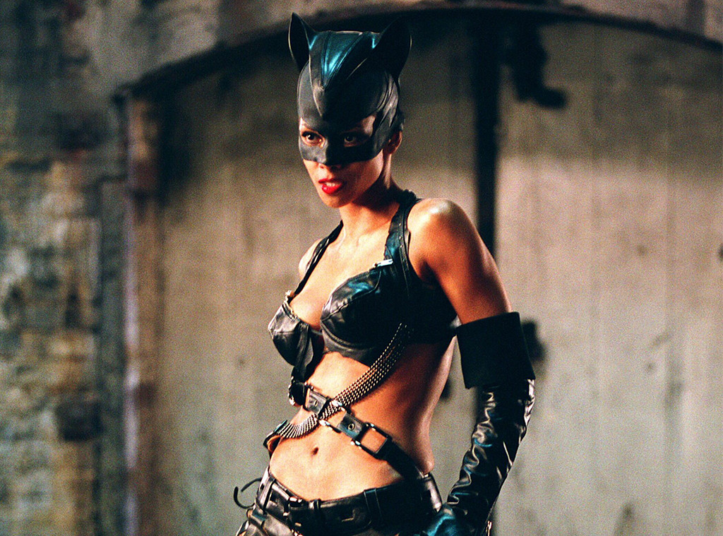Halle Berry Doesn 39 T Regret Catwoman Thanks To Her Hefty Paycheck E News